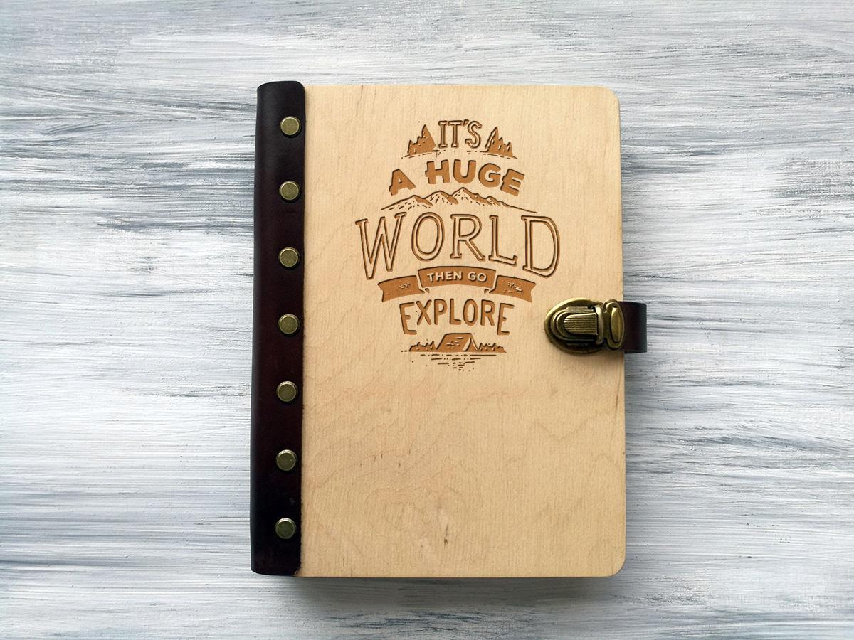 Блокнот для путевых заметок «It's a huge world» А5 в деревянной обложке