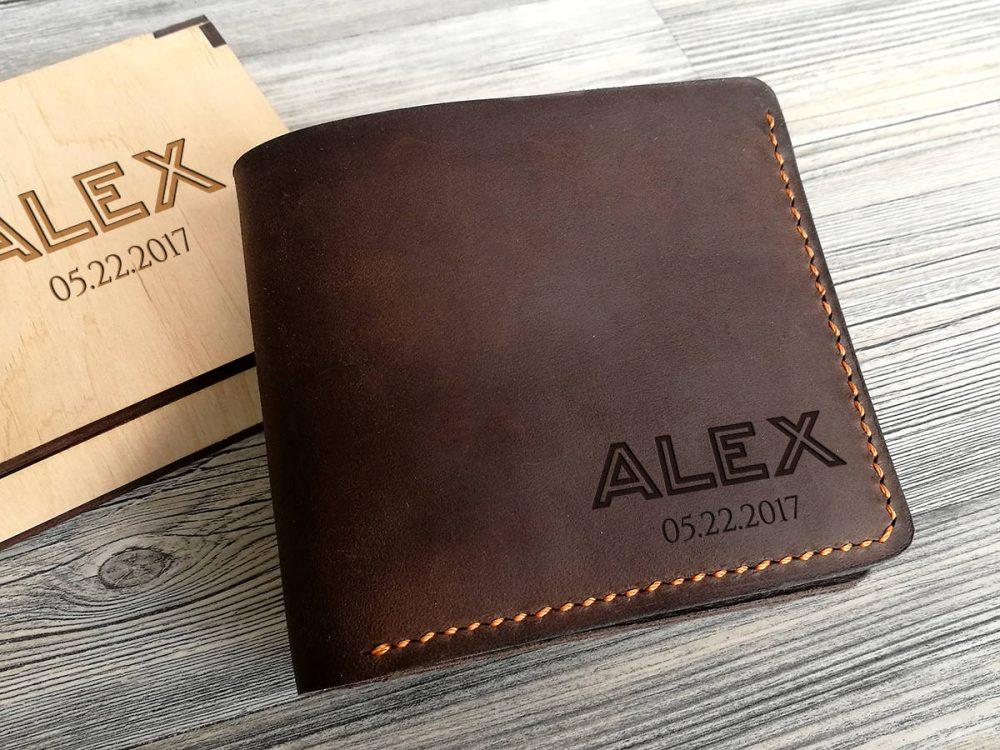 Мужской кожаный кошелек с персональной гравировкой, подарок на день рождения