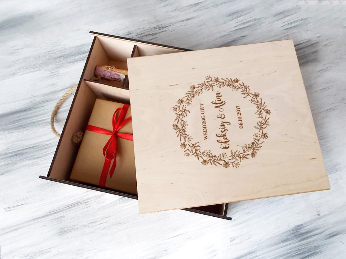 """Коробка для вина с гравировкой """"Венок"""""""
