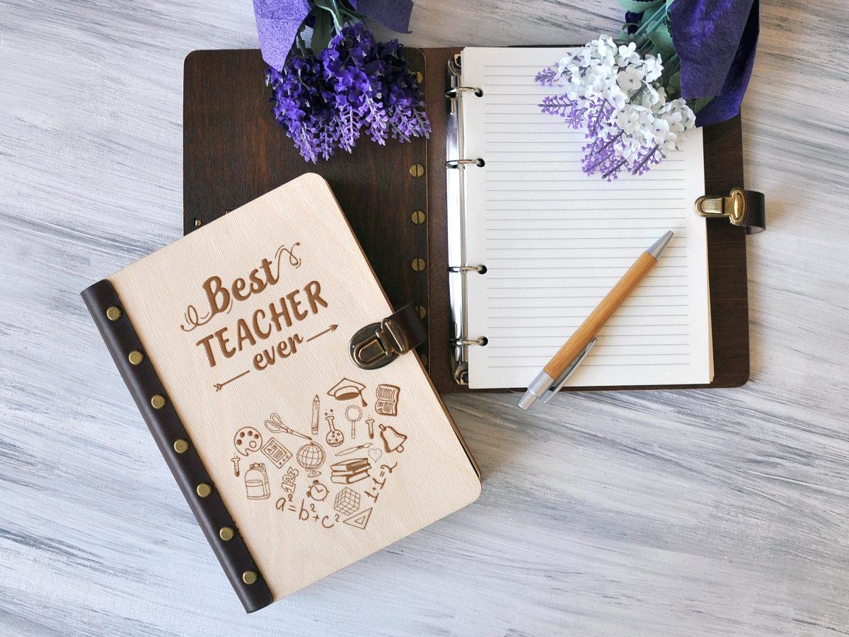 Блокнот для записей «Best teacher» А5 в деревянной обложке