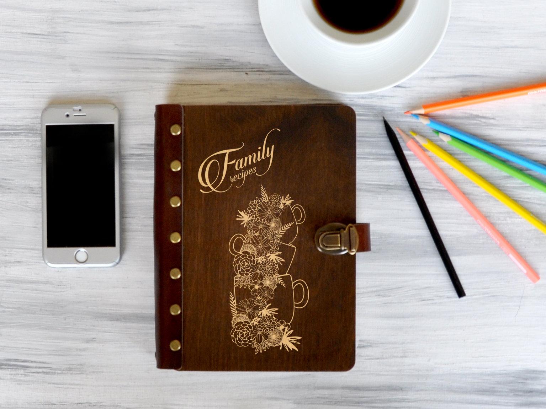 Книга для записей рецептов «Family recipes»
