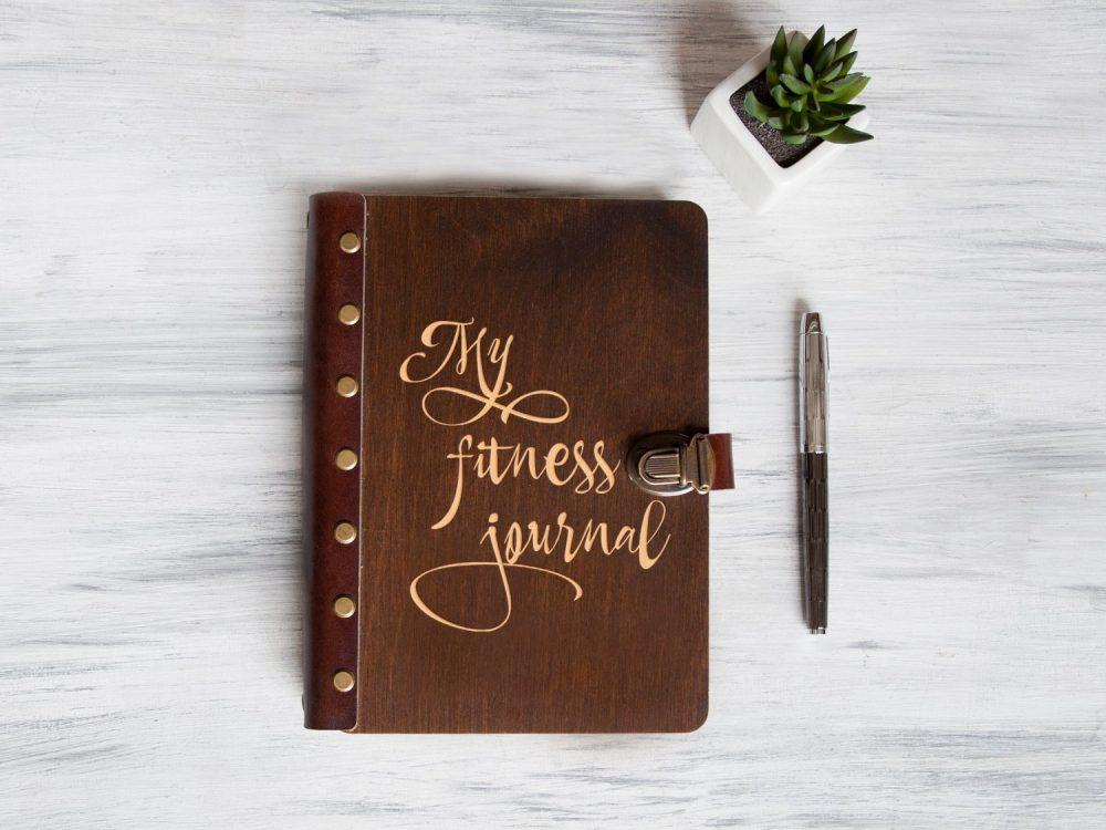 """Планер в деревянной обложке """"My fitness journal"""""""