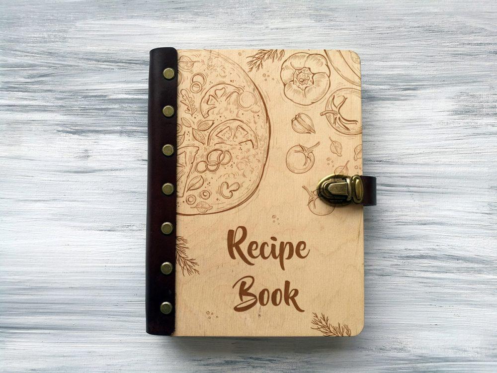 """Кулинарная книга в деревянной обложке """"Пицца"""""""
