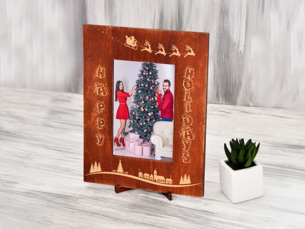 "Фоторамка из дерева ""Happy Holidays"""