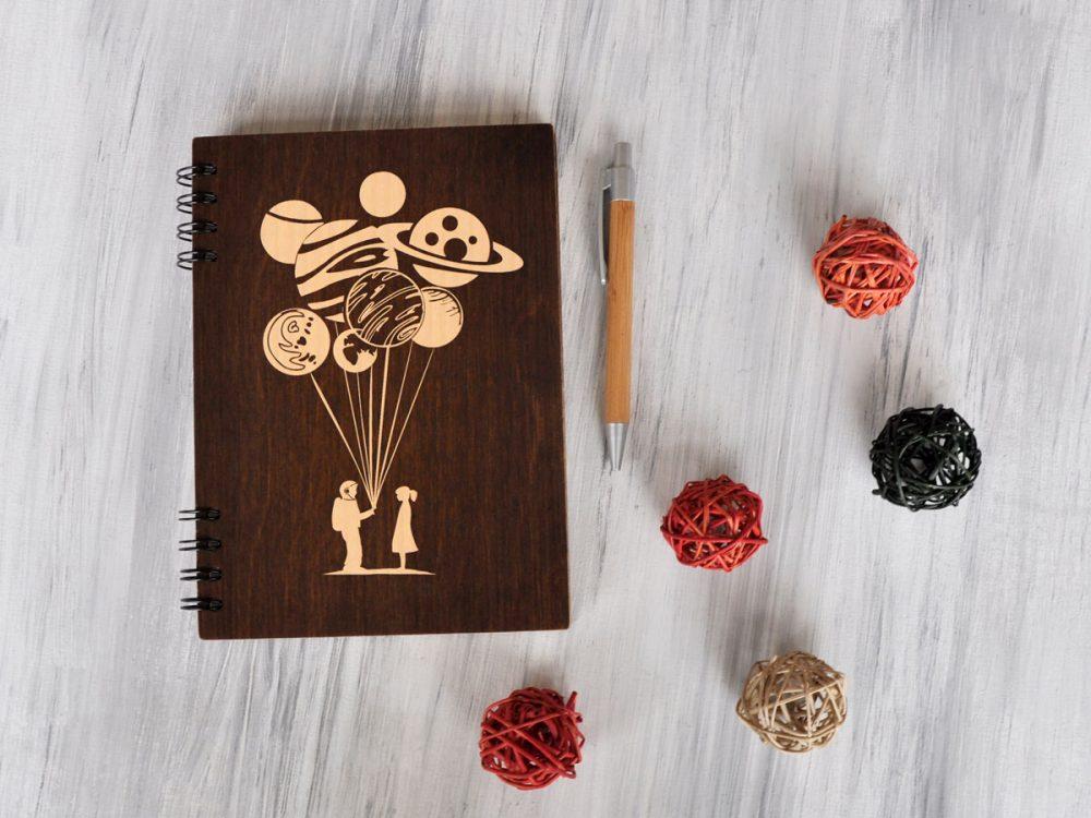 Блокнот с деревянной обложкой «Планеты»
