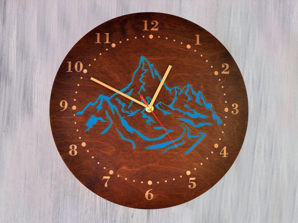 """Настенные часы под дерево """"Горы"""""""