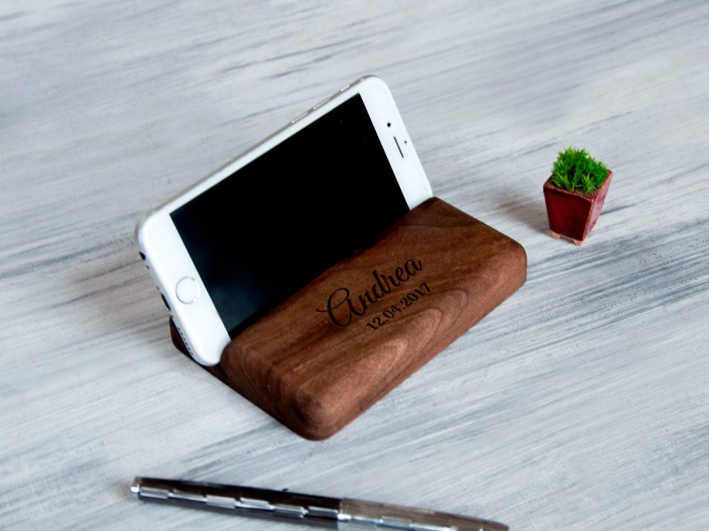 Подставка Для iPhone, iPad на рабочий стол для руководителя