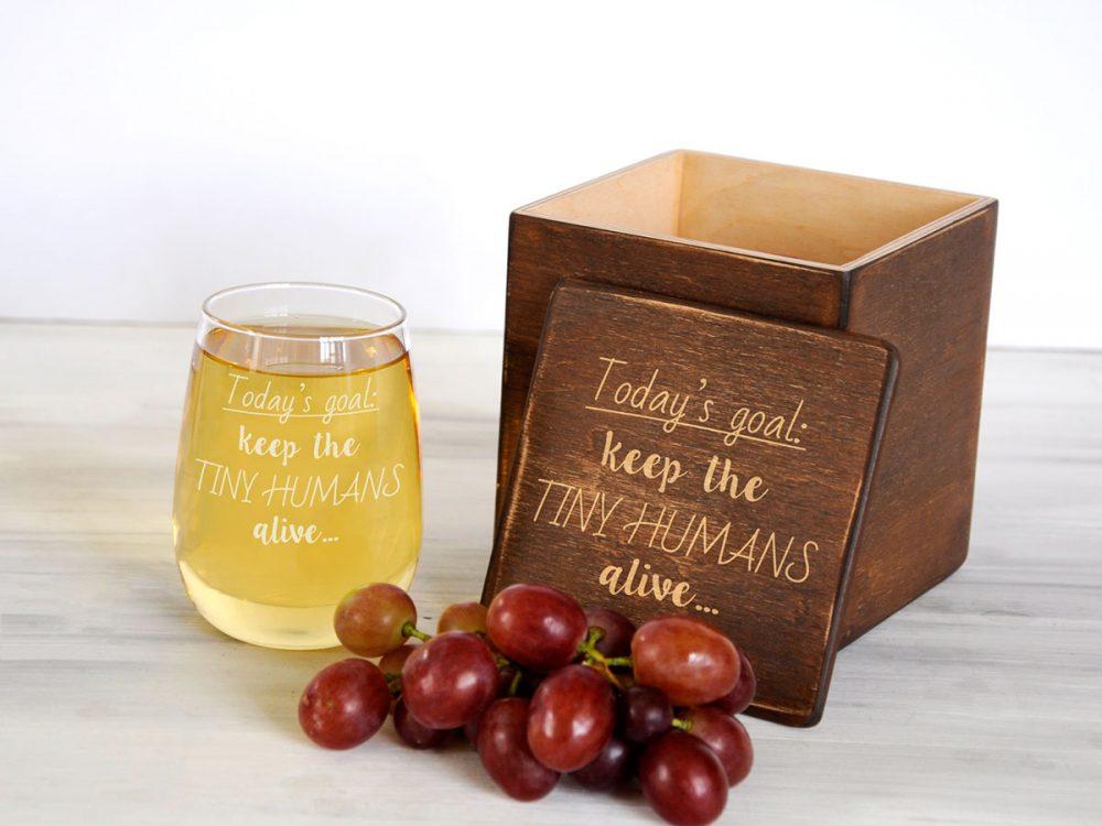 Винный стакан на подарок с лазерной гравировкой надписи