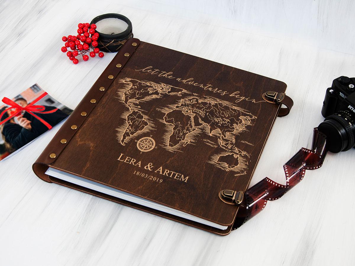 """Деревянный фотоальбом с магнитными листами """"Begin Travel"""", подарок для влюбленных"""