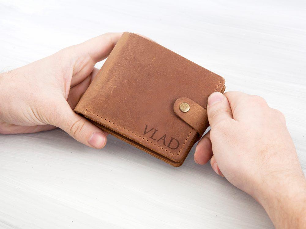 Кожаный кошелек с персональной гравировкой, подарок мужчине