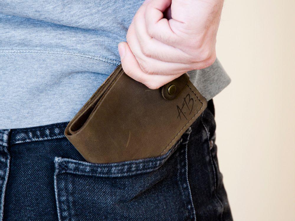 Мужской кожаный кошелек с инициалами для прав или ID паспорта, подарок для него