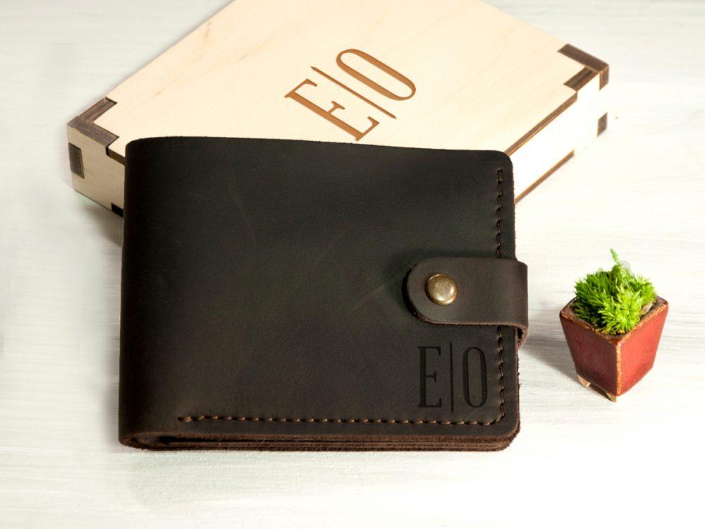 Кожаное портмоне с отделением для прав или ID паспорта и гравировкой, подарок для мужчины