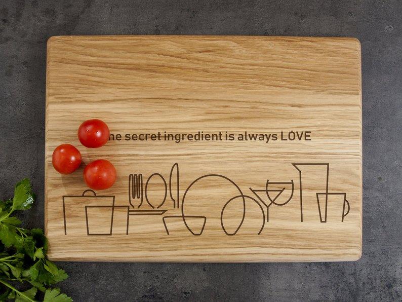 """Разделочная доска для кухни из натурального дерева """"Secret Ingredient"""""""