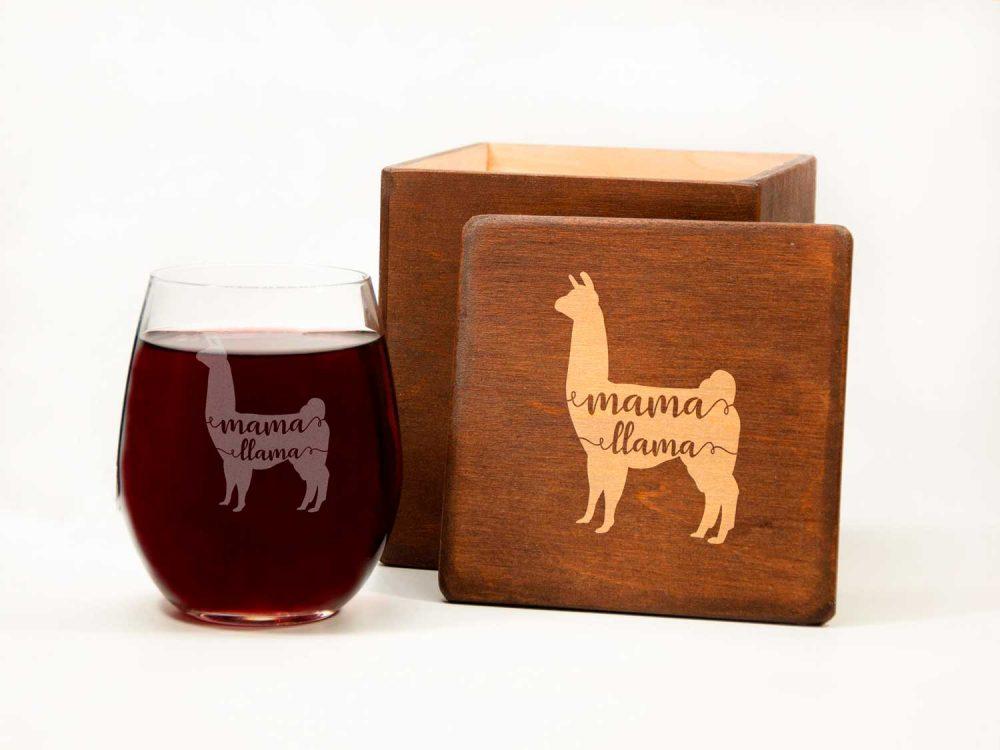 """Винный бокал с гравировкой """"Mama Llama"""" 380 мл, оригинальный подарок для мамы"""