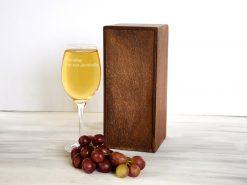 Винный бокал в подарок лучшей подруге в деревянной коробке