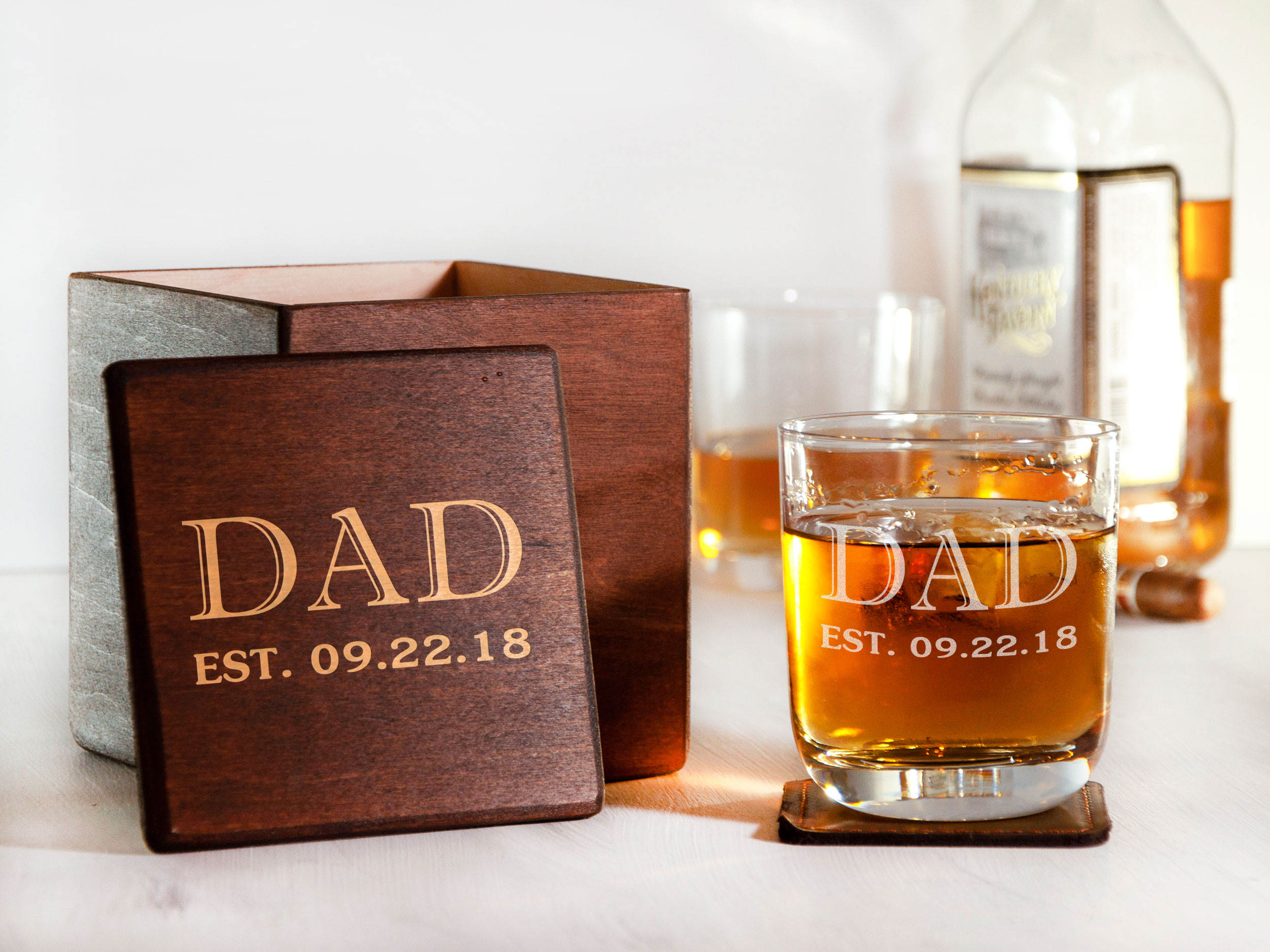 Оригинальный стакан для виски в деревянной коробке в подарок папе
