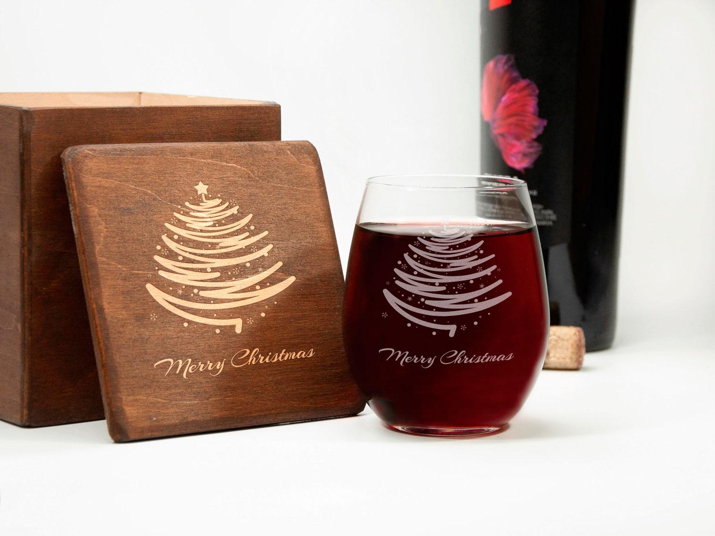 Винный бокал на рождественский стол с гравировкой