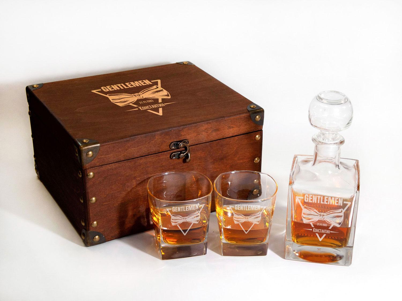 Комплект стеклянный для виски с гравировкой Gentlemen в подарок любимому мужчине